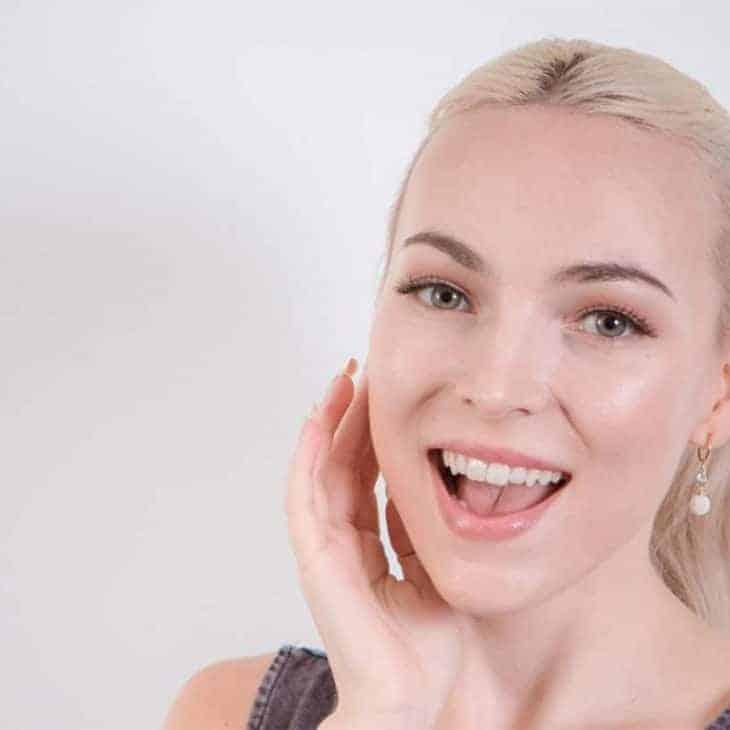 9 Natural Teeth Whitening Hacks