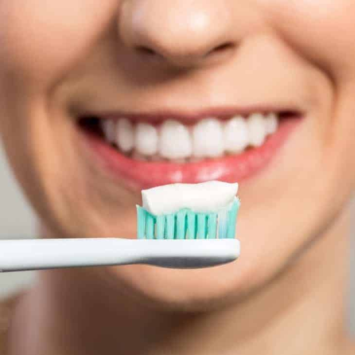 How to Maintain Your Bright Smile at Home